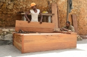 Stone Town'da Marangozlar (The Carpenters in Stone Town)